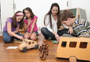 Stella Branco: as brincadeiras em casa seguem a linha do colégio