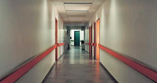 Acesso ao bloco cirúrgico do hospital Centenário, de São Leopoldo, que apesar de ser instituição pública, foi usado por alguns médicos para cirurgias particulares
