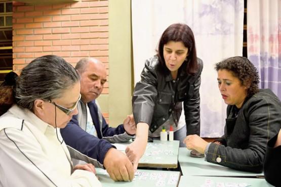 Márcia e a turma de EJA da escola Monte Cristo: faltam livros para recém-alfabetizados