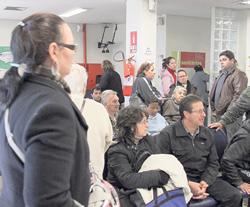 Pacientes aguardam atendimento no GHC