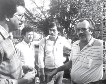 Raul Pont com João Luiz Steinbach e Marcos Fuhr em conversa com o então presidente Mendes Gendelmann (D)
