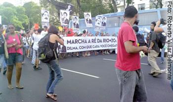 Manifestantes criticam Rio+20 nas ruas do Rio de Janeiro nos dias do evento