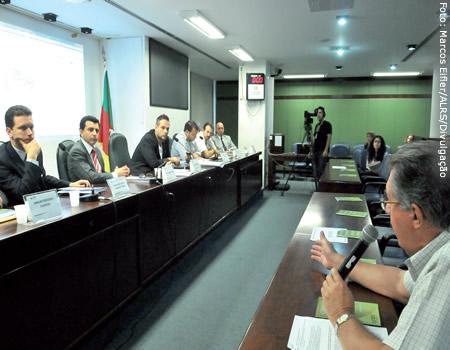 Audiência pública realizada dia 5 de abril na Assembleia Legislativa para discutir auxílio