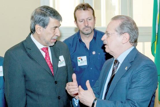 Embaixador palestino Ibrahim Alzeben e Tarso Genro | Foto: divulgação