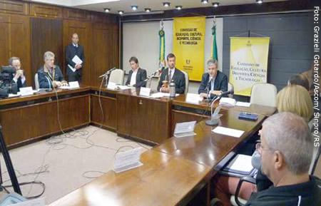 Comissão de Educação da Assembleia recebeu  entidades sindicais do ensino privado