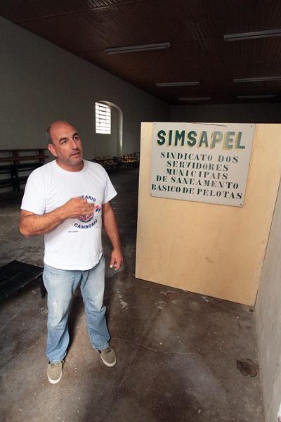 Renato Mendonça Abreu, Presidente do Simsapel. O Sindicato questiona a privatização e defende mais envolvimento da população com os temas referentes ao saneamento básico da cidade.
