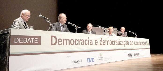 Co-autor da Lei de meios argentina participou de debate promovido pelo extra Classe