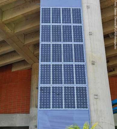 Módulo fotovoltaico fabricado pelo Núcleo Tecnológico de Energia Solar (NT-Solar) da Faculdade de Física da PUCRS, sede do Centro Brasileiro para Desenvolvimento da Energia Solar Fotovoltaica (CB-Solar)