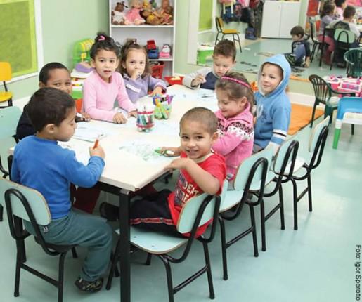 Em Porto Alegre, boa parte do atendimento público é feito por escolas conveniadas