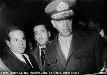 Jango, Brizola e o general Lopes, que desobedeceu ordens e aderiu