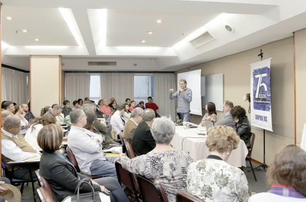Professores repudiaram problemas de comunicação patronal quanto às propostas