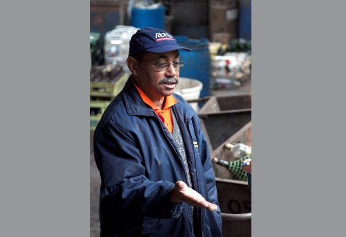 Luiz Carlos Romano dos Santos, funcionário do DMLU responsável pela Unidade de Triagem e Compsotagem de Resíduos Sólidos Domiciliares da Lomba do Pinheiro