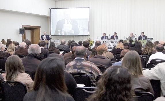 Mais de 300 participantes entre advogados, professores e estudantes estiveram presentes na edição de 2013