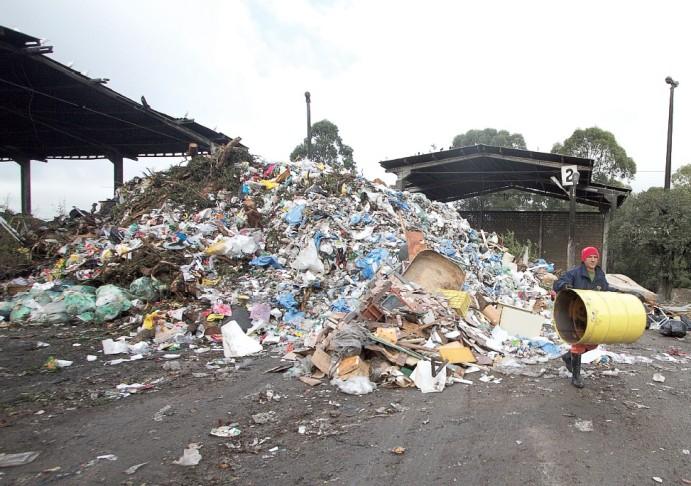 Porto Alegre gasta mais de R$ 90 mil por dia com a 'exportação' de resíduos para Minas do Leão