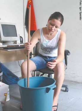 Maísa Estery: detergente e sabão para compartilhar com os moradores