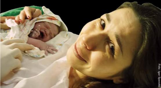 """""""Dor é insignificante diante da emoção"""", relata a arquiteta Francisca Schiaffino, que optou pelo parto natural com apoio do médico"""