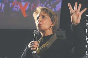 Yeda Crusius, por concorrer à reeleição, não precisou se desincompatibilizar