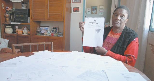 Eva Conceição enfrentou problemas com a burocracia dos cartórios para obter seu direito de isenção do IPTU