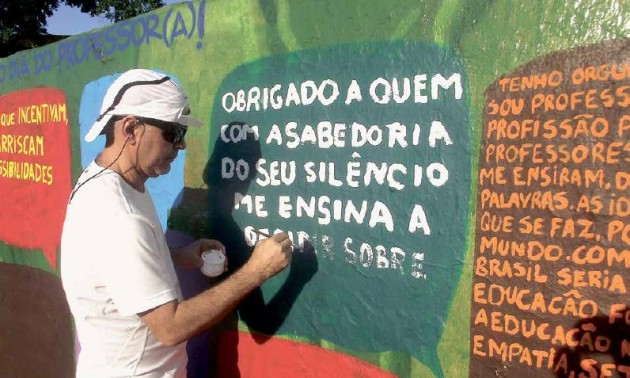 Quem vai inventar outra forma de fazer educação não é a universidade ou os gestores, mas gente com cabeça aberta, aponta o professor de Física da PUCRS, João Batista Harres