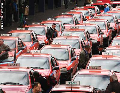 cotidiano_vai_um_taxi