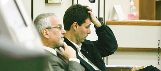 Leandro Becker (D), ex-vice-reitor da Ulbra, durante depoimento na Justiça Federal