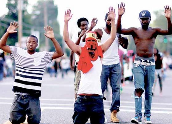 """""""De 2002 a 2010, tivemos 418.414 assassinatos no Brasil – 65,1% das vítimas eram negras. Em 2002, o percentual de jovens negros assassinados era 71,7% superior ao dos jovens brancos vitimados; oito anos depois, esta diferença subiu para 153,9% """""""