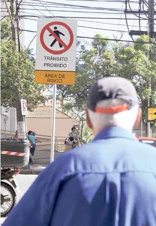 As cidades oferecem muitos perigos aos idosos
