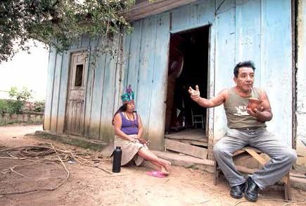 O casal presta consultoria ao programa Saberes Indígenas, do governo federal