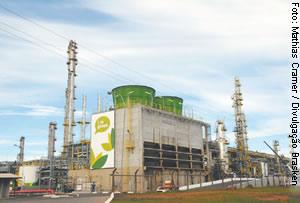 Braskem: produção do plástico 'verde' aumenta as emissões de poluentes