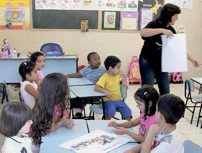 País deve incluir 700 mil crianças de quatro e cinco anos no sistema formal de ensino até 2016