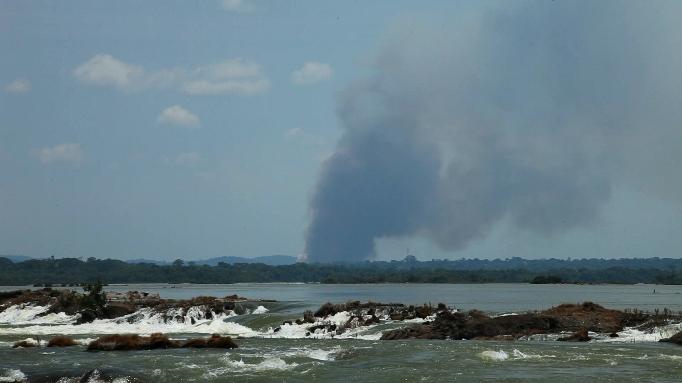Corredeiras do rio Tapajós que serão alagadas na construção da barragem da usina hidrelétrica de São Luiz, no Parque Nacional da Amazônia