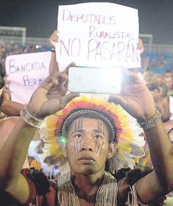 Em Palmas (TO), protesto contra a PEC 215, que interrompeu os Jogos Mundiais dos Povos Indígenas viralizou nas redes sociais
