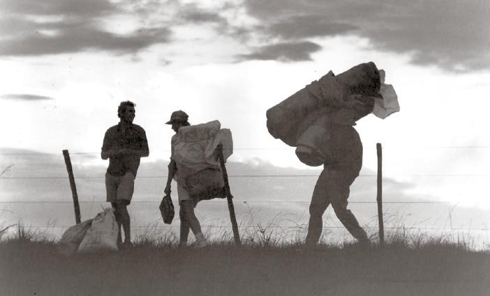 Invasão da Fazenda Santo Antão, em 1996, no município de Sarandi (RS). MST já consolidado como movimento nacional