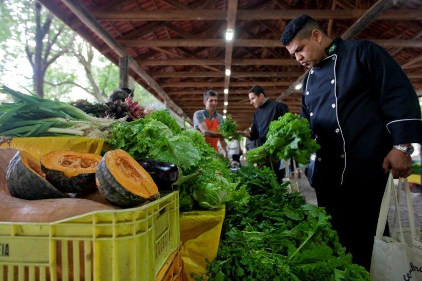 Feira Ecológica da Secretaria Estadual da Agricultura, Pecuária e Agronegócio (Seapa) já abasteceu a cozinha do Piratini, quando a prioridade eram alimentos orgânicos nas refeições