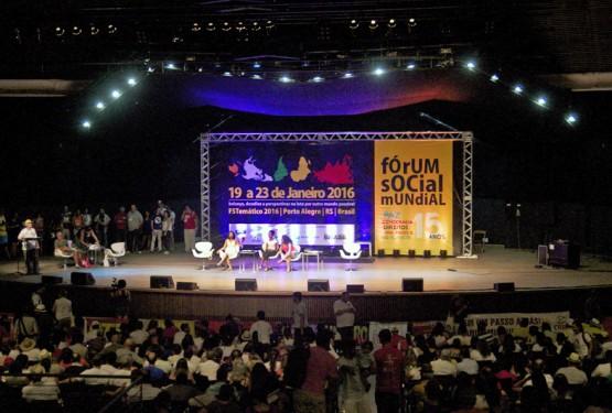 Assembleia de encerramento do FTS Porto Alegre, sábado, 23, no auditório Araújo Vianna | Foto: Igor Sperotto