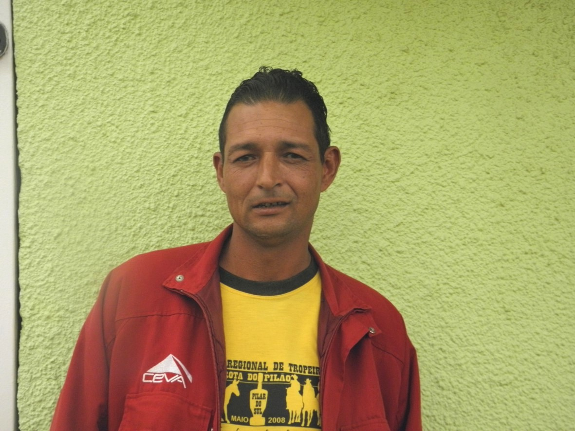 Valdenir Sena Gomes, de 40 anos