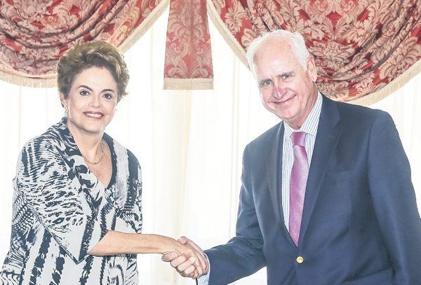 Lobby da celulose: Dilma Roussef durante audiência com Gonzalo Garcia Balceda, da CMPC