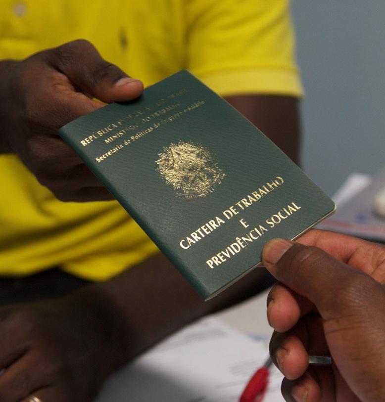 Burocracia: falta de rede de apoio ainda dificulta a vida dos estrangeiros