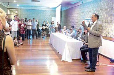 Lançamento do livro integra comemorações dos 20 anos do Jornal Extra Classe