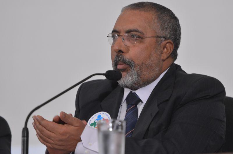 Senador Paulo Paim debate reforma da Previdência hoje em Porto Alegre