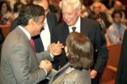 Mario Vargas Llosa poderia requerer adicional de insalubridade a cada visita ao Brasil para palestras | Foto: Cecilia Larrabure/Fotos Públicas
