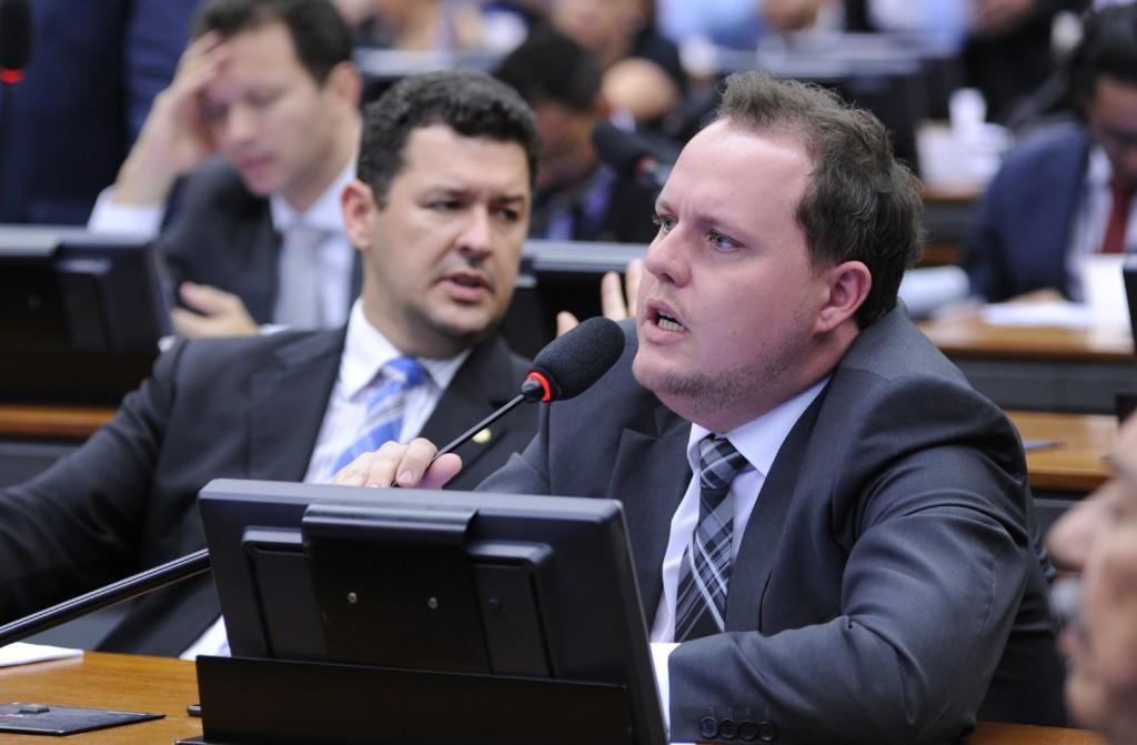 Covatti Filho (foto) não quer debate ideológico. Procuradora alega que ideologia que se opõe ao projeto é em defesa da vida