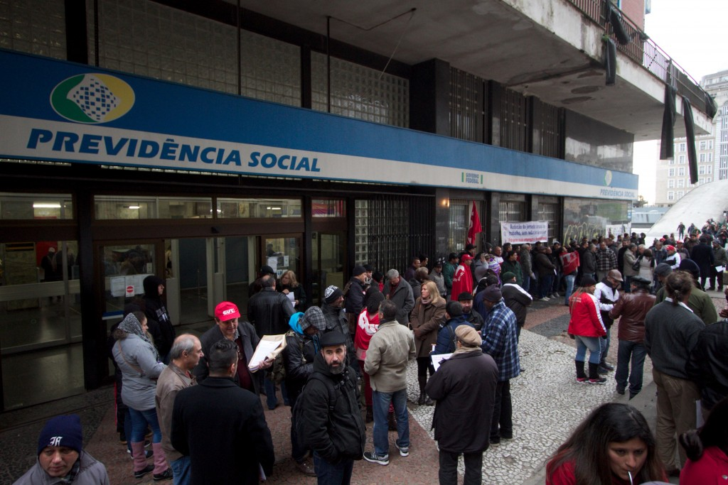 Trabalhadores de diversas categorias denunciaram desmonte do sistema previdenciário