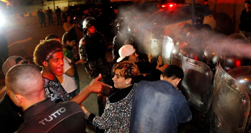 Confronto dos estudantes cariocas com a Polícia durante protestos