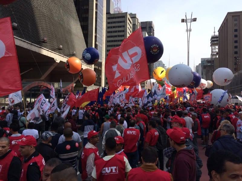 Centrais sindicais fazem ato por emprego e garantia de direitos