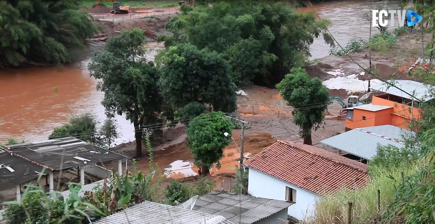 Lama da Samarco seque sem solução