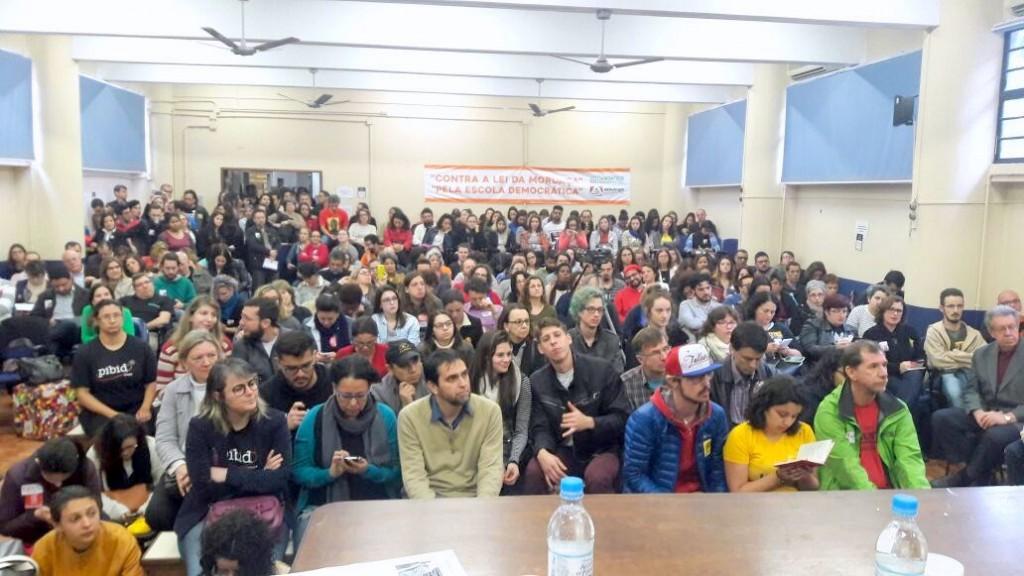 Evento contou com participação expressiva de setores que fazem o contraponto ao movimento Escola Sem Partido
