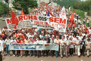 Caminhada da Educação contra o Neoliberalismo integrou-se a Marcha dos Sem