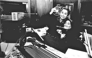 Simone e Adriana: Cantoras arrancam gargalhadas do público