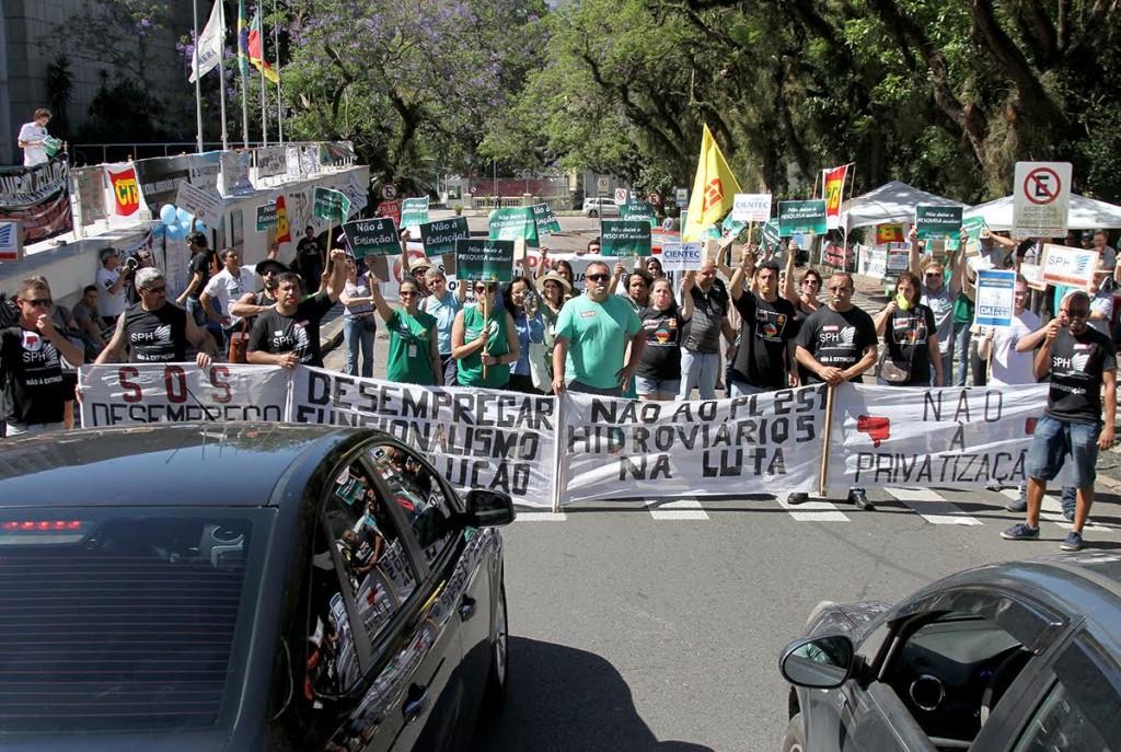 Vigília e ato contra pacote de Sartori e PEC 55